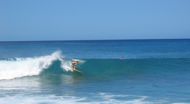 west_side_s_swell_waves_oahu