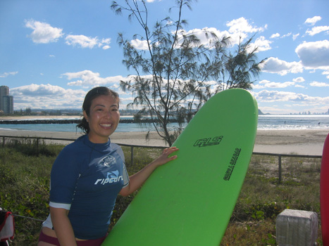 Miya_surfing_clinic_on_gold_coast