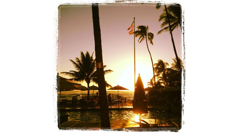 surfing_sunsets_waikiki_oahu